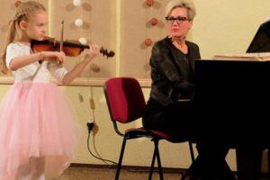 Izskanējuši vijolnieku un akordeonistu koncerti