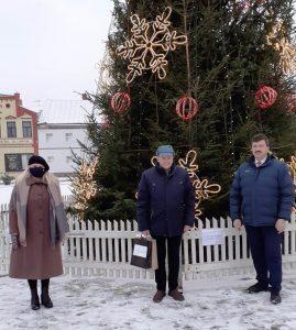 """Olita Dzelzkalēja un Juris Krūmmalis saņem titulu """"Gada skolotājs -2020"""""""