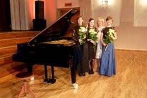Sveicam kameransambli «Trio Metamorfoze» ar uzvaru starptautiskā konkursā Francijā!